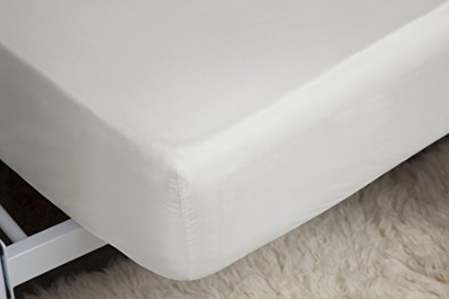 Belledorm Ivory Fitted Sheet, 200 Thread Count Percale, Mattress Depth 28cm (King Size) from Belledorm