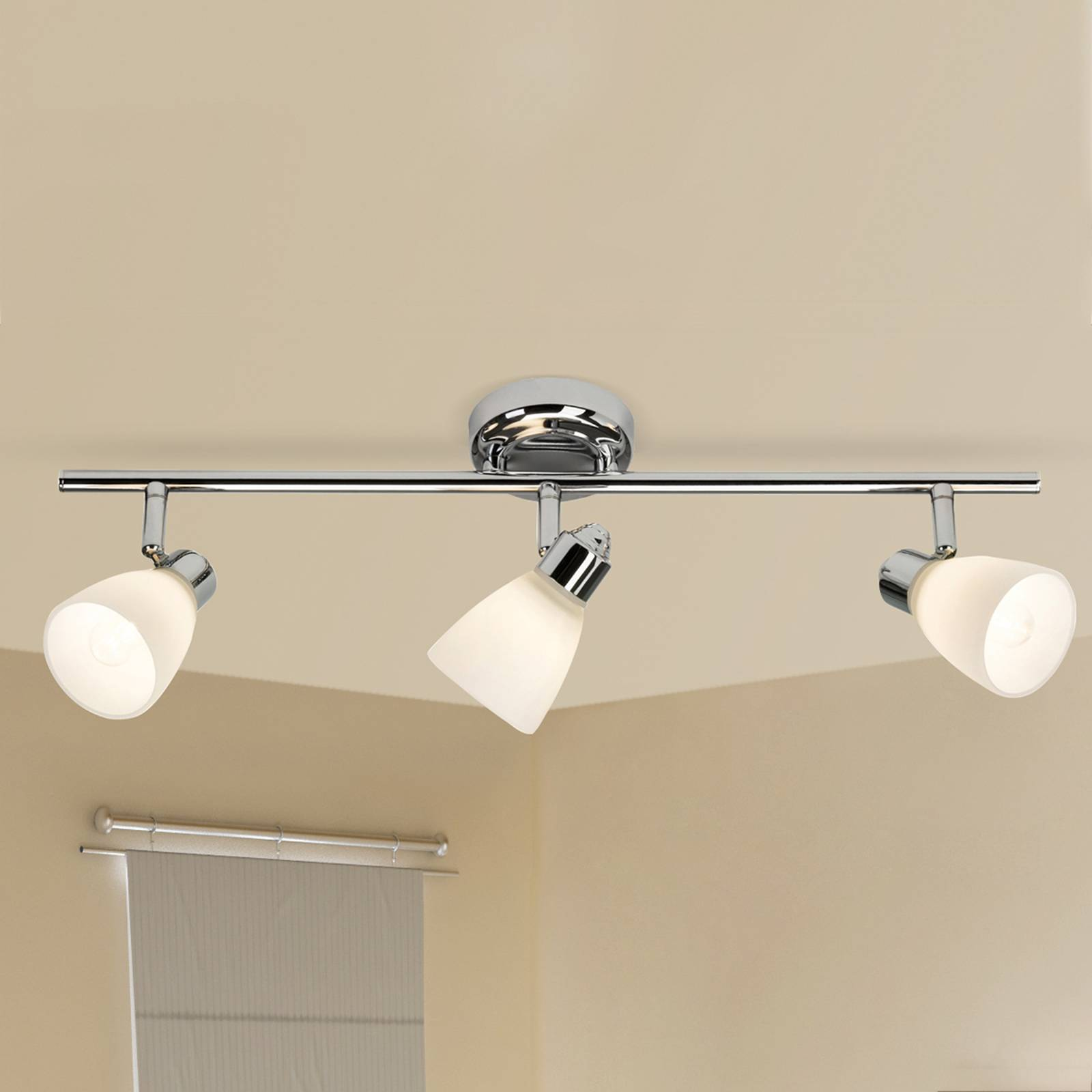 Three-bulb ceiling lamp Kensington with IP44 from Brilliant