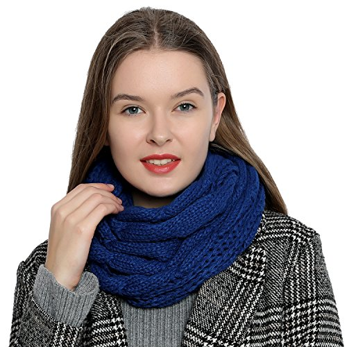 Warm and soft women's winter loop scarf knitting pattern - Blue from DonDon
