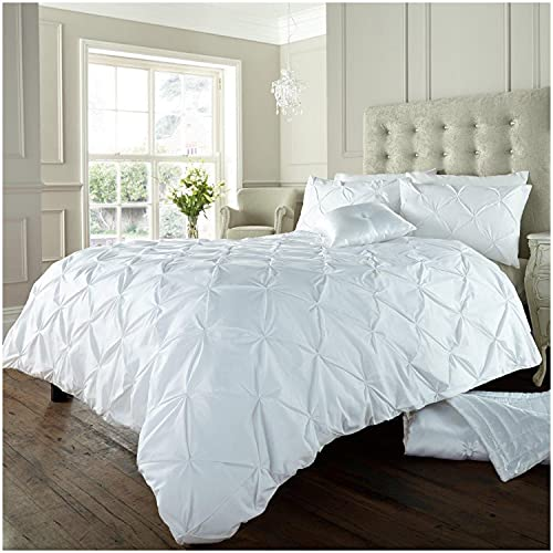 Gaveno Cavalia Signature Collection Alford Set with Duvet Cover and Pillow Case, Polyester-Cotton, White, Double from GAVENO CAVAILIA