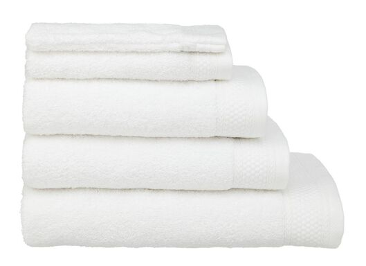 HEMA Towels - Hotel Extra Heavy White (white) from HEMA