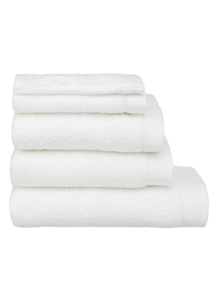 HEMA Towels - Hotel Quality Extra Soft White (white) from HEMA