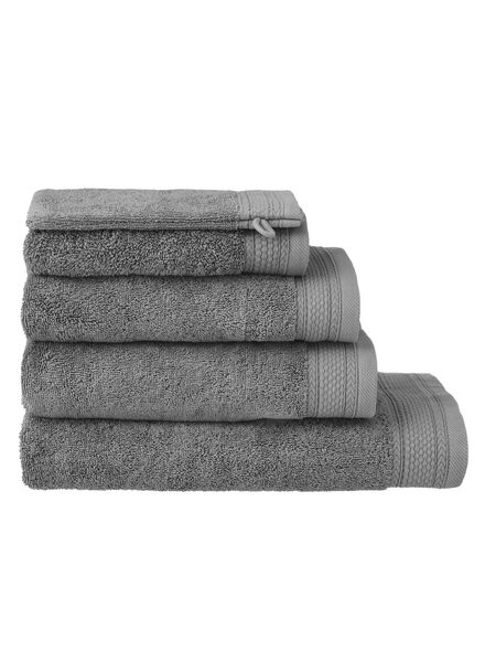HEMA Towels - Hotel Extra Heavy Dark Grey (dark grey) from HEMA