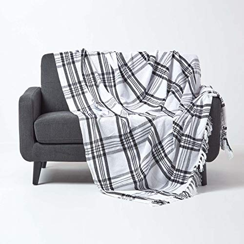 HOMESCAPES Large White & Black Tartan Throw 90 x 100 Inches or 228cm x 254cm, 100% Cotton Sofa throw for Most 3 Seater Settees and Sofas from HOMESCAPES