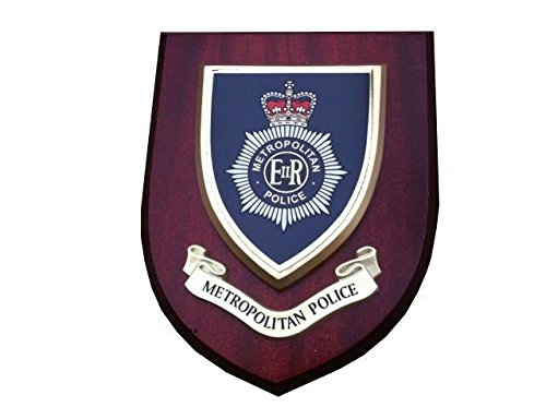 Metropolitan Police Wall Plaque Helmet Badge Design from Hunting and Military Store