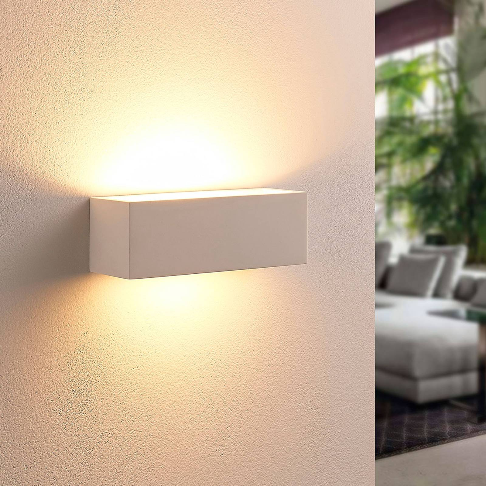 Angular LED wall lamp Tjada from plaster from Lindby