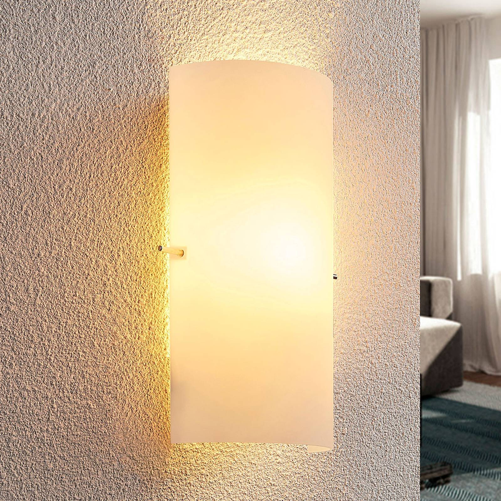 Timelessly attractive glass wall light Tuli from Lindby