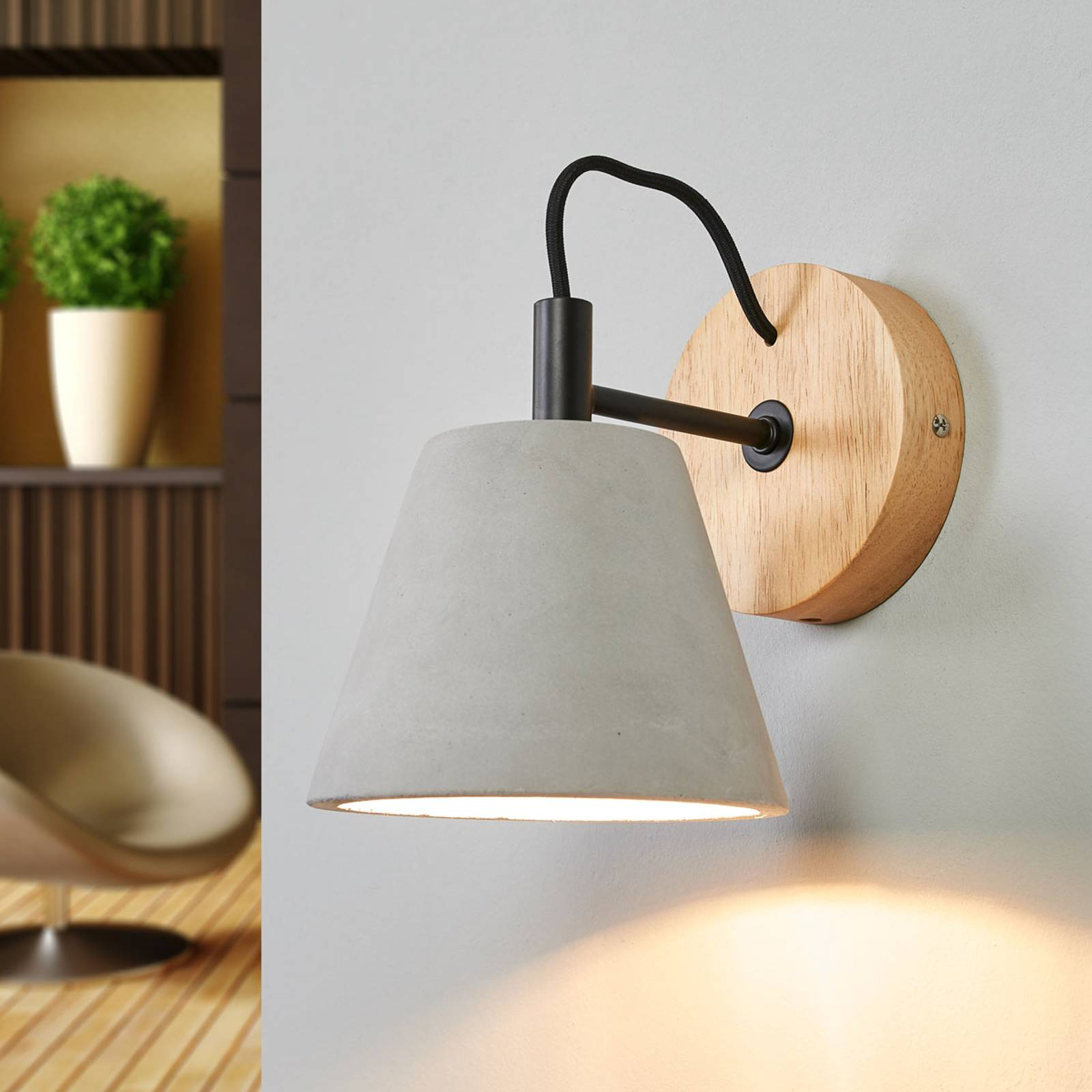 Possio - wall light w. concrete lampshade and wood from Lucide