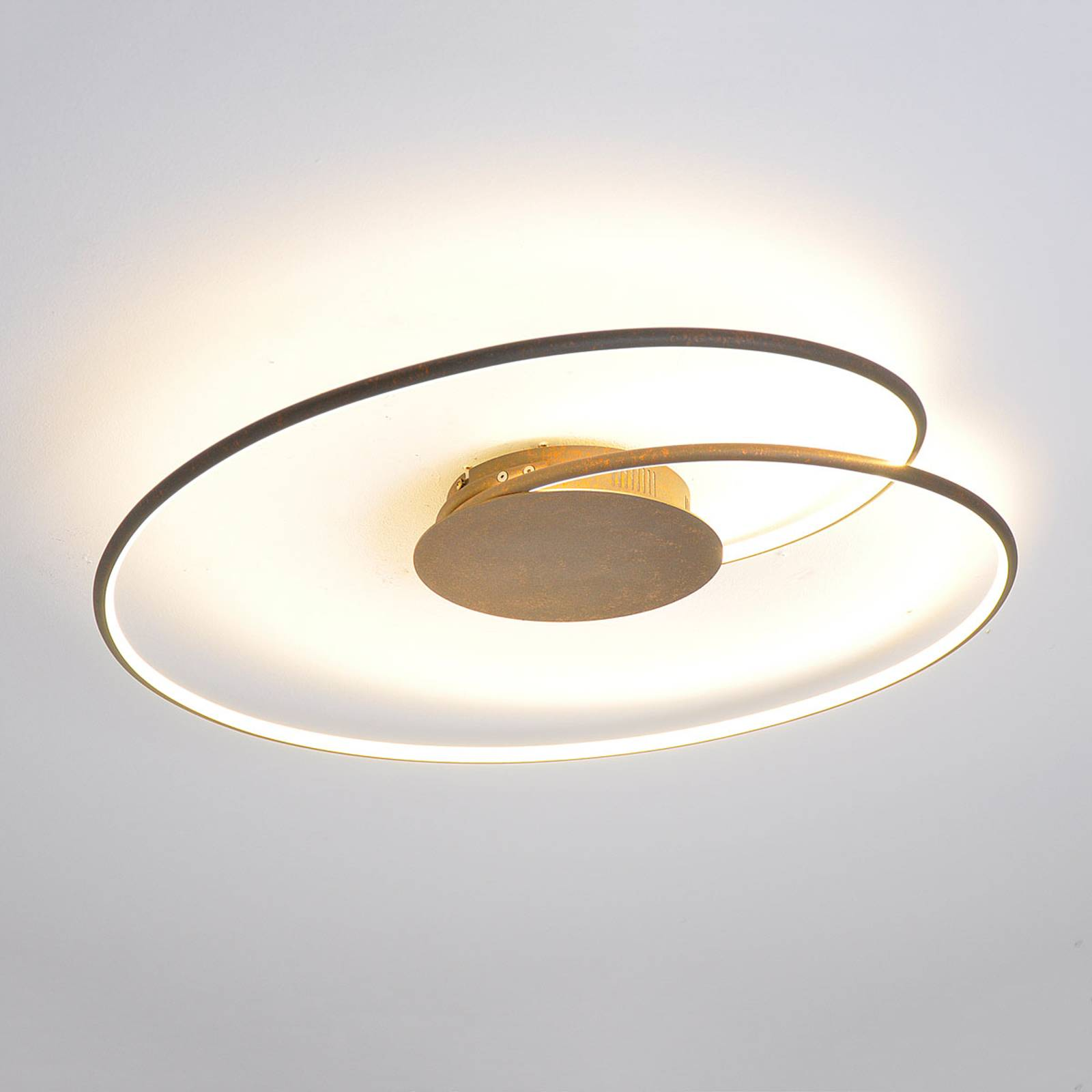 Attractive LED ceiling light Joline in rusty brown from Lindby