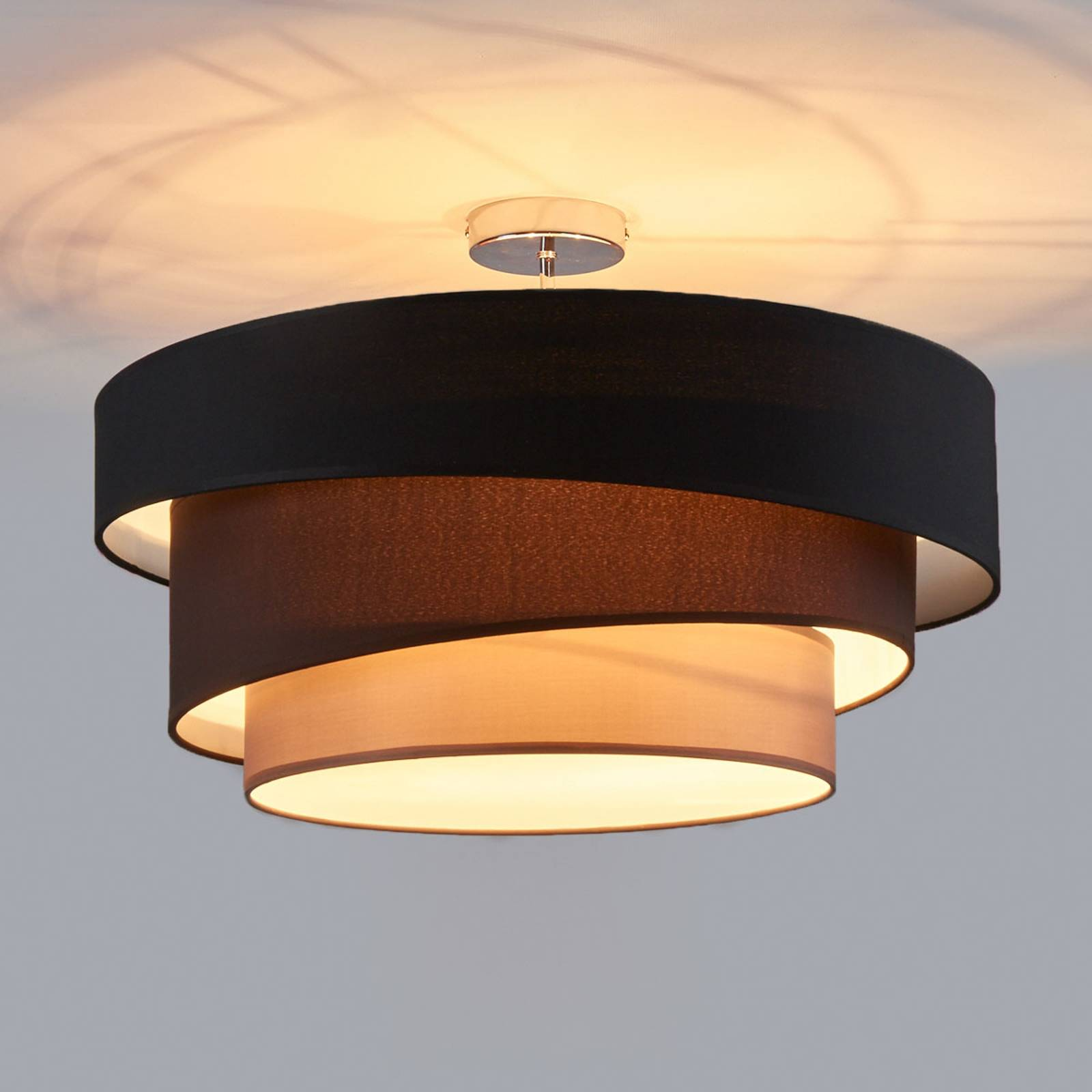 Attractive ceiling lamp Melia, black and brown from Lindby