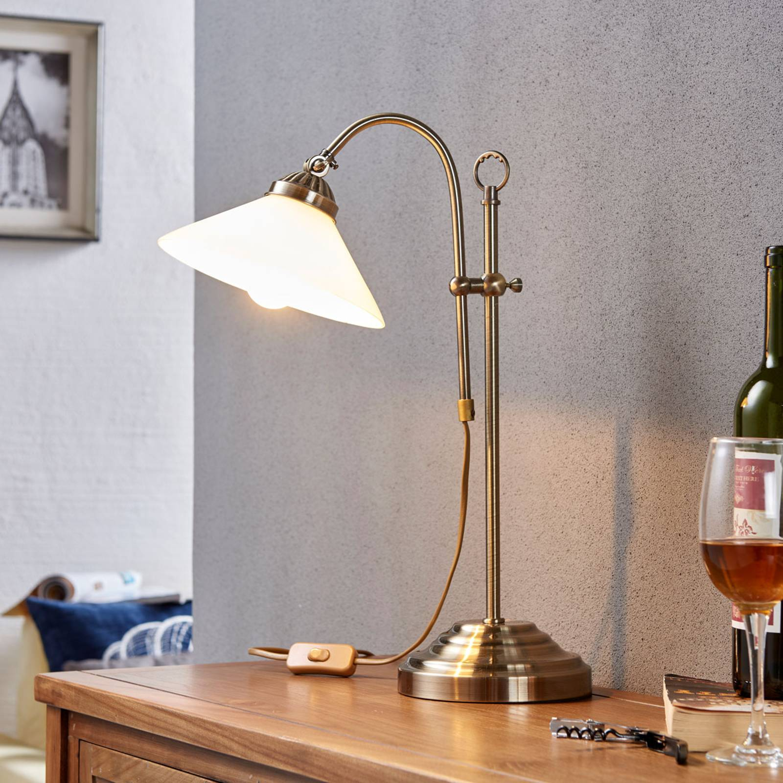 Classic table lamp Otis in antique brass from Lindby
