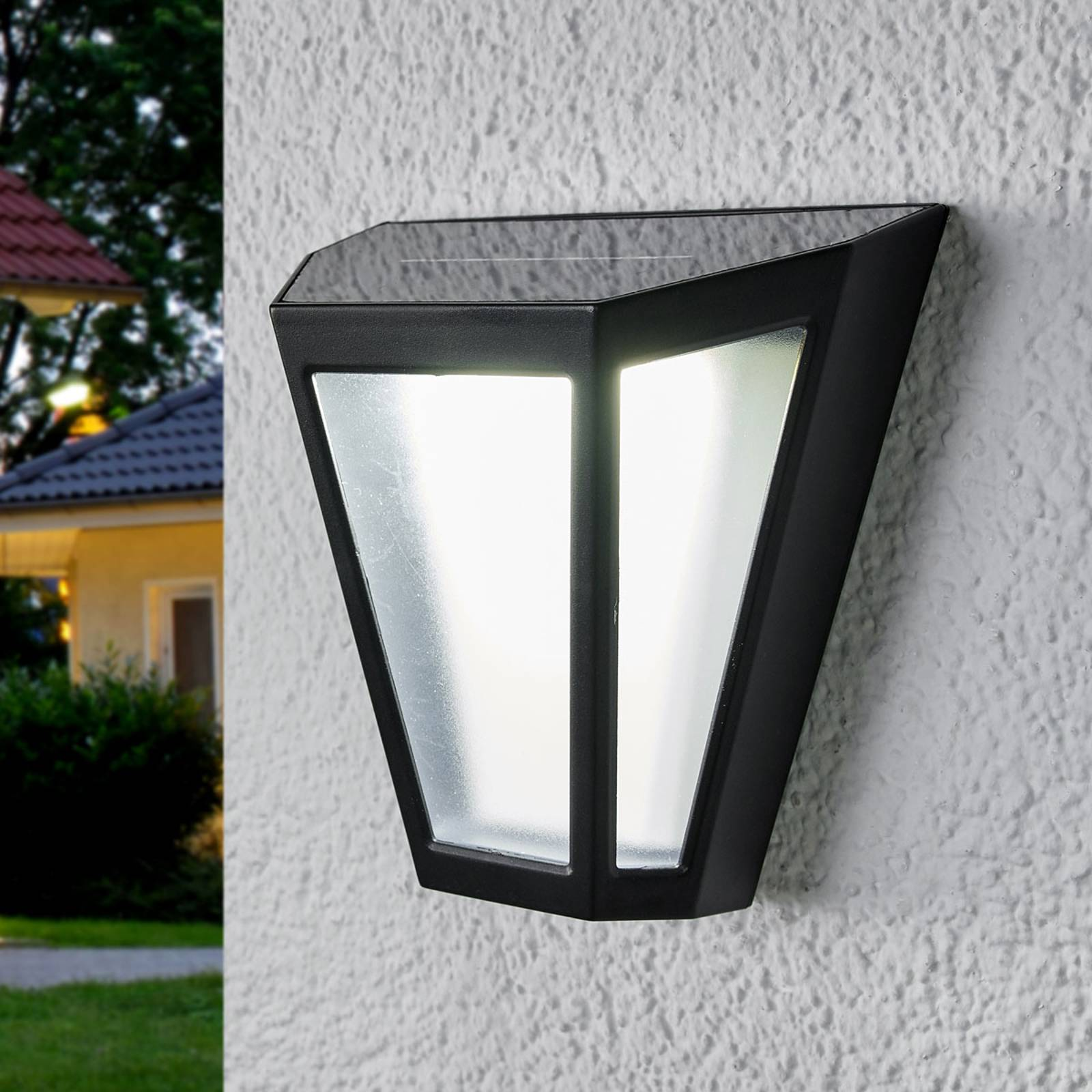 LED solar wall light Yago, frosted lampshade from Lindby