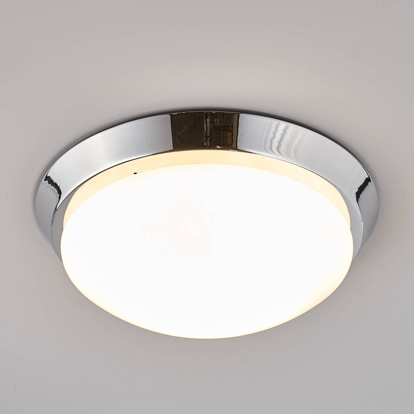 Round ceiling light Dilani for the bathroom from Lindby