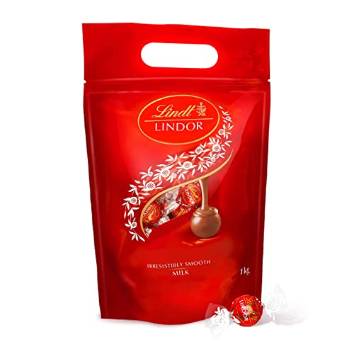 Lindt Lindor Milk Chocolate Truffles 1kg (80 Truffles) from Lindt