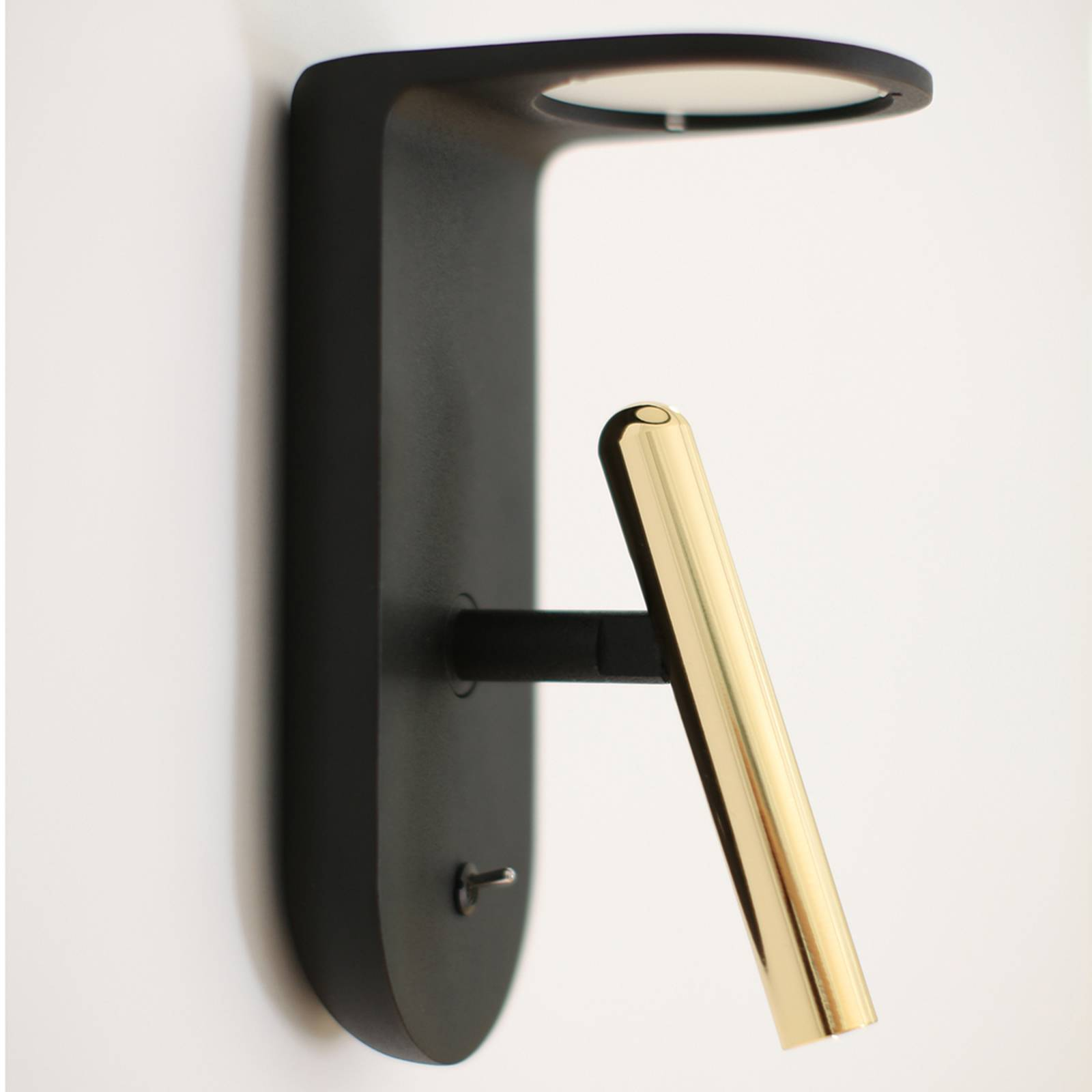 2Nights_W2 LED wall light in black-gold from Linea Light