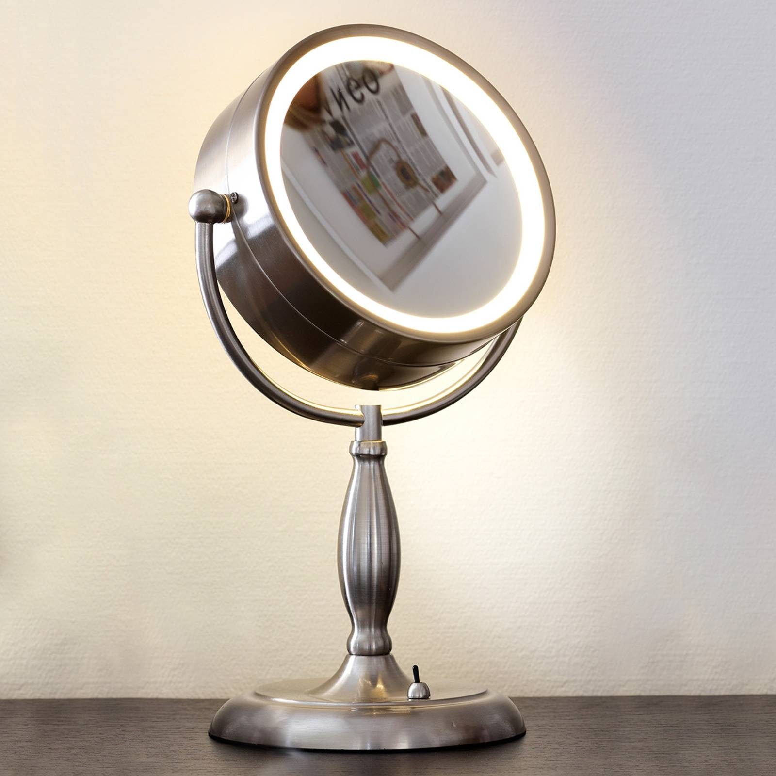Face cosmetic mirror, illuminated from Markslöjd