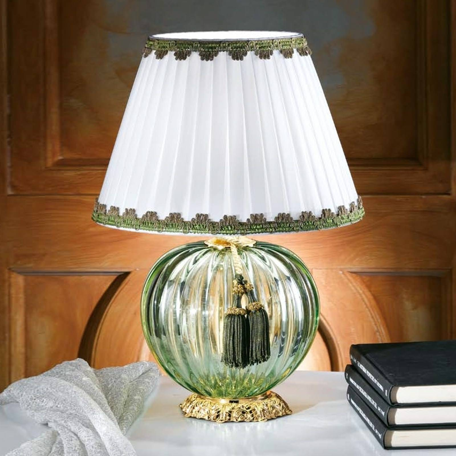 Maureen handsome table lamp with Murano glass from Masiero