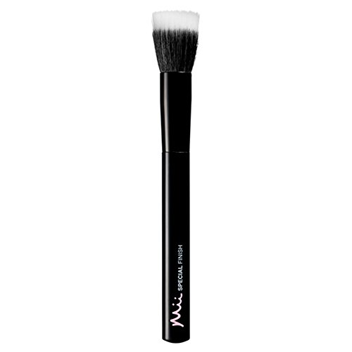 Mii Cosmetics - Special Effects Finishing Brush - Flat Top Brush from Mii Cosmetics