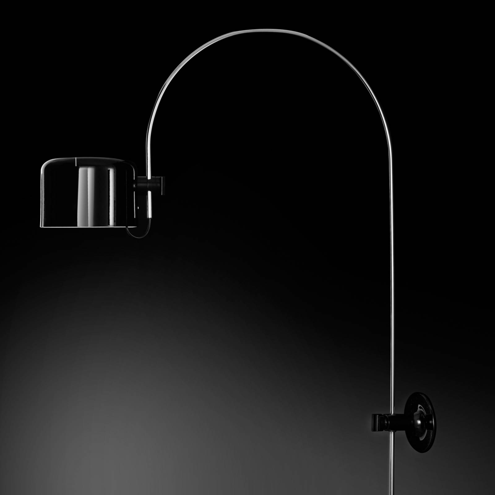 Coupé - arc wall light in black from Oluce