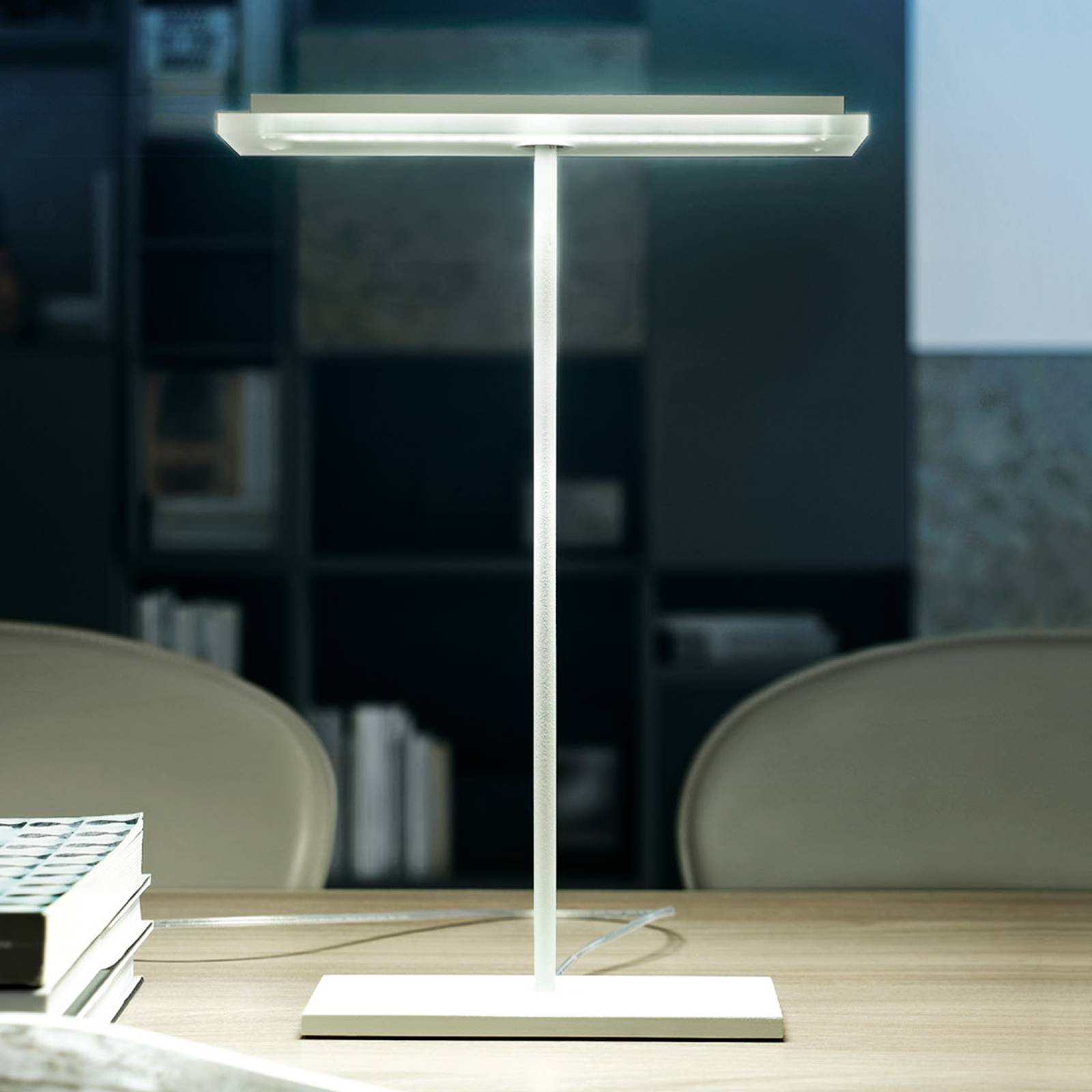 Flat Dublight LED table lamp from Linea Light