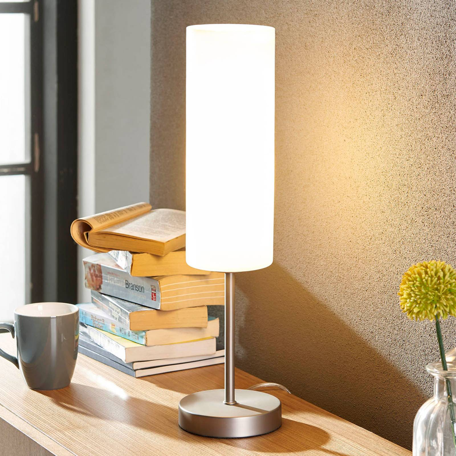 Slim table lamp Vinsta with white glass lampshade from Lindby