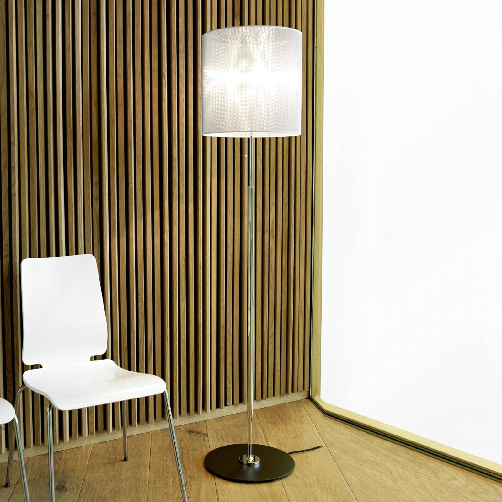 Striking designer floor lamp from Tecnolumen