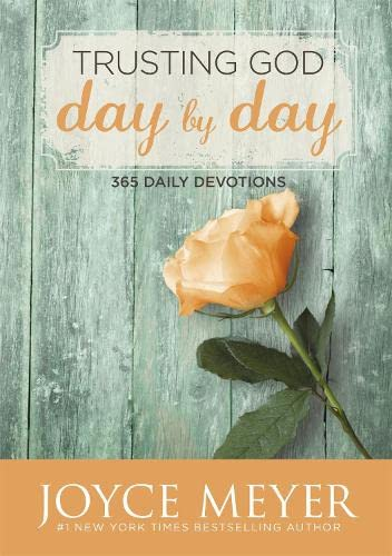 Trusting God Day by Day: 365 Daily Devotions from Hodder & Stoughton Ltd