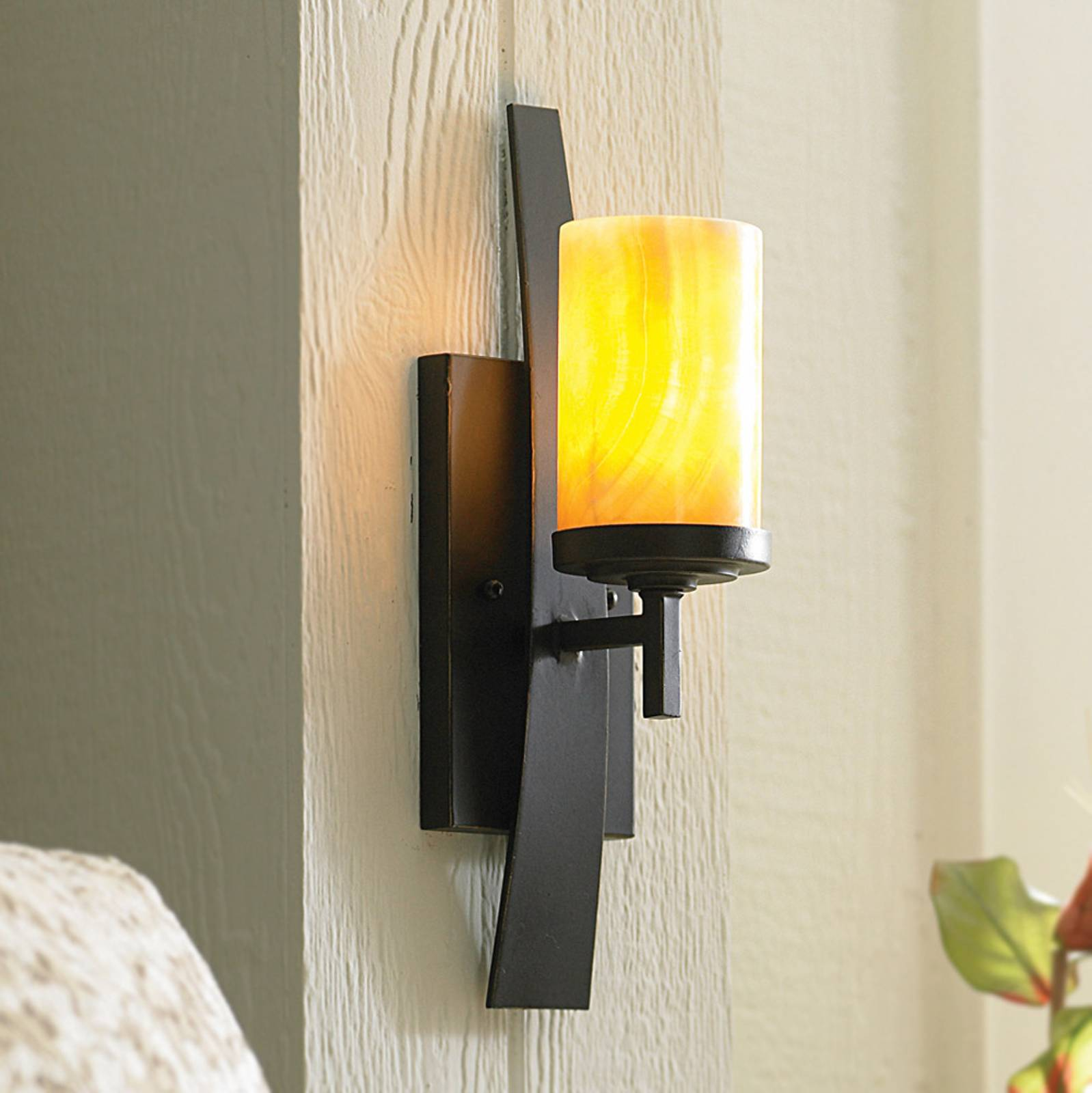 Wall lamp Kyle with onyx lampshade from QUOIZEL
