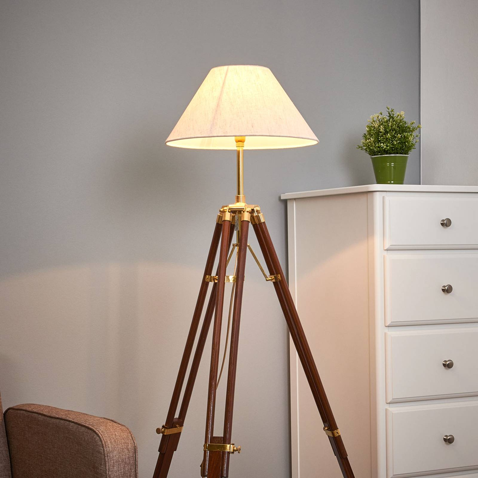 Magnificent floor lamp STATIV with white lampshade from SEA-Club
