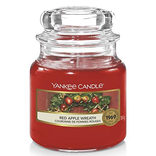 Yankee Candle Scented Candle | Red Apple Wreath Small Jar Candle | Burn Time: Up to 30 Hours from Yankee Candle